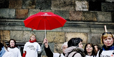 Offentlige ansatte i demonstration på Christiansborg